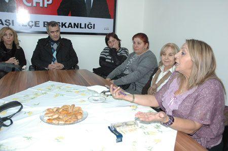 "CHP'li Kadınlardan ""Aile Hukuku"" Konulu Konferans"